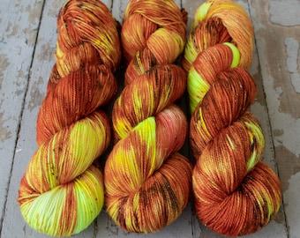 Sparkle Sock Yarn, Hand Dyed, Speckled, Superwash Merino Nylon, Fingering Weight, Pixie Sock 100 g / 438 yds - Jack-O'-Lantern *In Stock