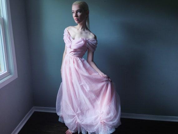 Vintage 70s pastel pink cold shoulder princess pro