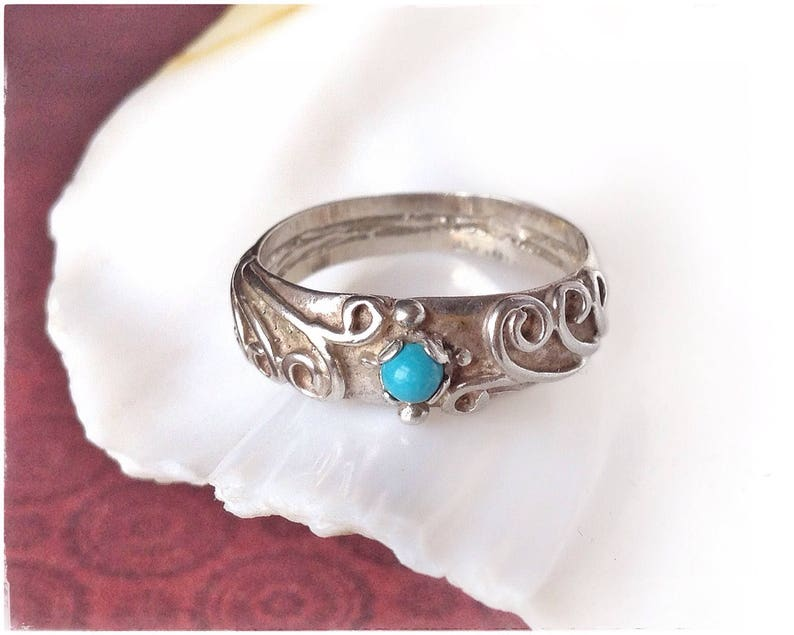 hippie TURQUOISE STONE RING floral band ring blue stone ring natural turquoise and silver turquoise boho ring delicate silver ring