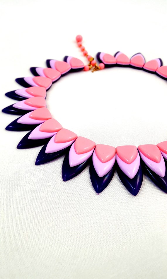 Vintage TRIFARI Necklace Pink Lilac Purple Plum Tr