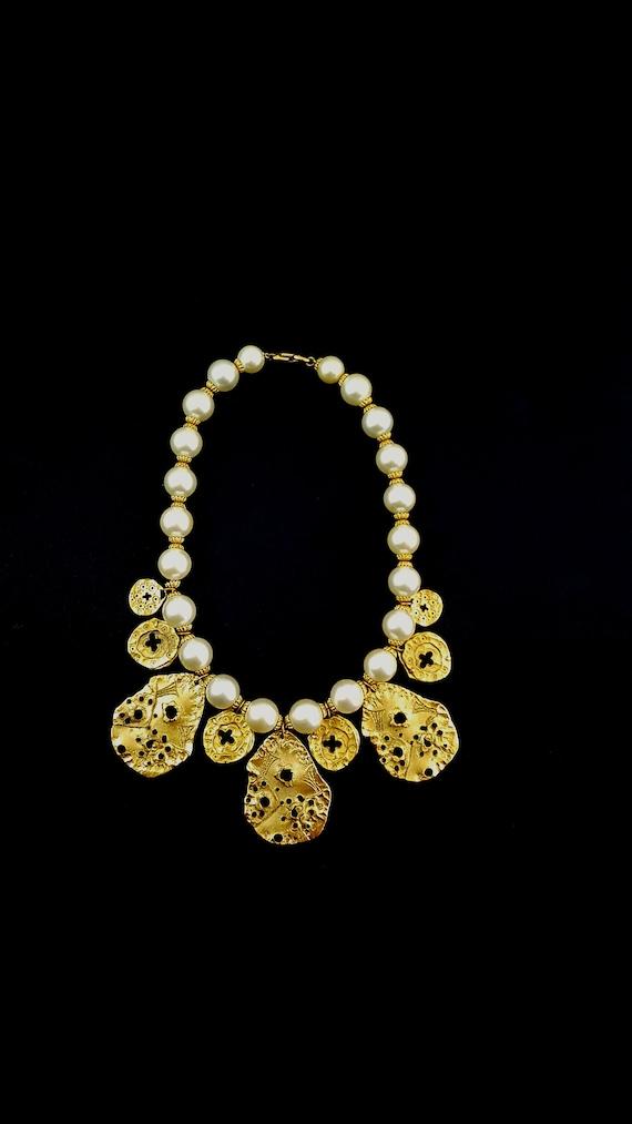 Vintage MONET Necklace BRUTALIST Pearl Necklace Pe
