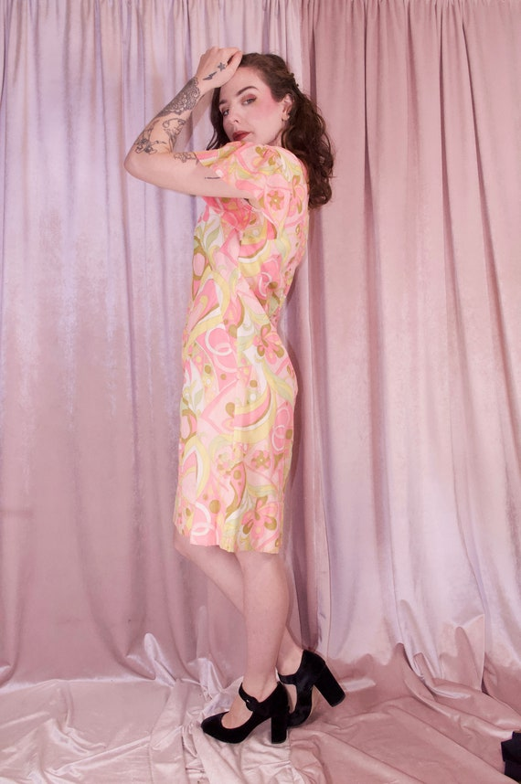 60's Psychedelic Print Pastel Dress - Ruffle slee… - image 7