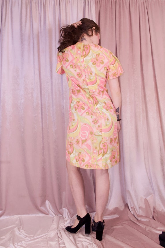60's Psychedelic Print Pastel Dress - Ruffle slee… - image 8
