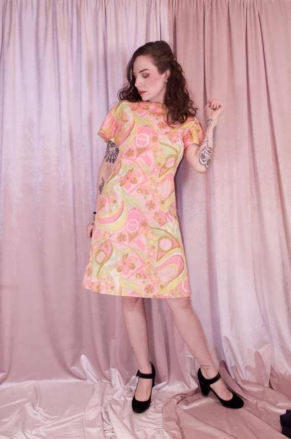 60's Psychedelic Print Pastel Dress - Ruffle slee… - image 6