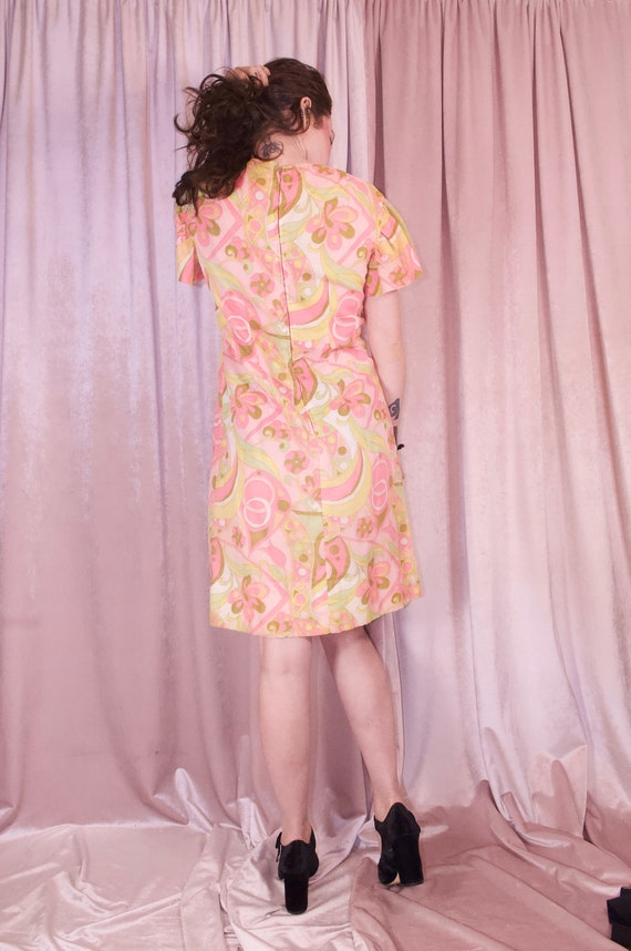 60's Psychedelic Print Pastel Dress - Ruffle slee… - image 9
