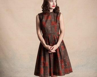 Vintage 1950s/early 60s mosaic print sleeveless dress / brown, orange, and white / full skirt /sleeveless / high neck / size S