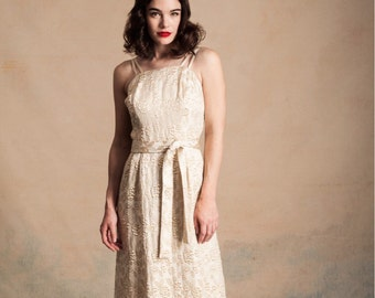Vintage early 1960s cream and gold brocade column dress / matching tie belt / double straps / Audrey Hepburn / size S/XS