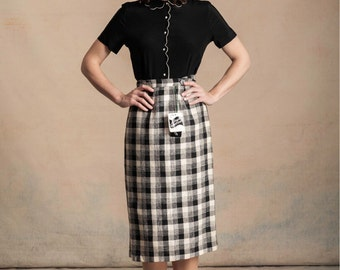 Vintage 1950s deadstock black and white check wrap skirt / textured / button front / original tags / XS/XXS