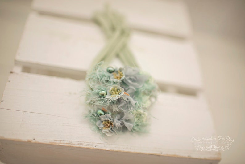 Baby girl headband delicate soft handmade photogtaphy prop UK Stock