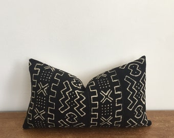 Black and Natural Colored African Mudcloth Handwoven Tribal Lumbar Pillow Cover // 11 x 19