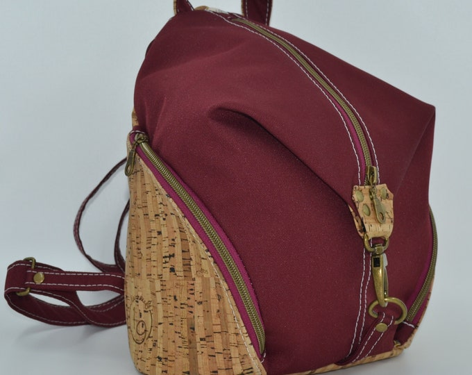 READY TO GO Bag in pink burgundy montana and natural cork. Backpack, Cork leather base, Vegan, eco-friendly