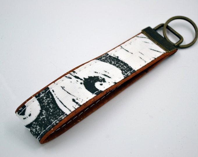 Black and white wave patterned cotton keyring with cognac cork, keyring, kit, strap