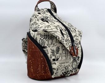SEE TO DE Alice-patterned cotton bag in Wonderland and brick cork. Backpack, Cork leather base, Vegan, eco-friendly