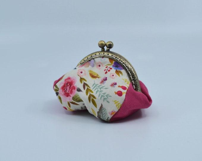 Vintage flowers pattern change purse 100% cotton with metal claps – coin purse – change purse – kisslock purse – money wallet