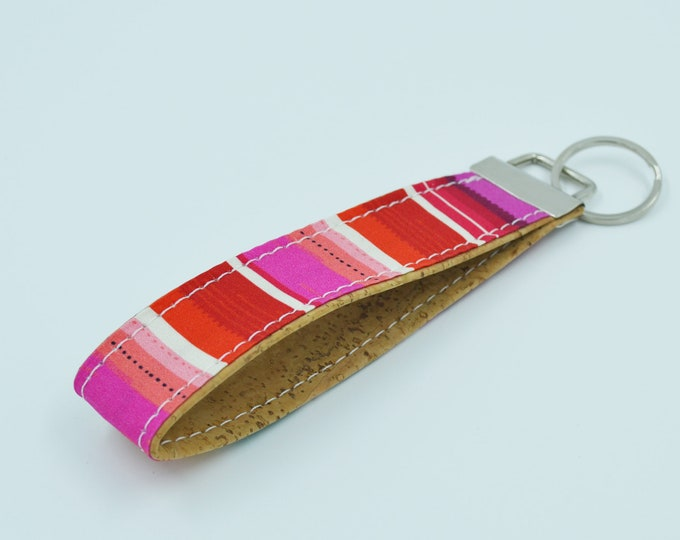 Cotton key ring with pink, red, blue and natural cork lined patterns, key ring, trousseau, strap