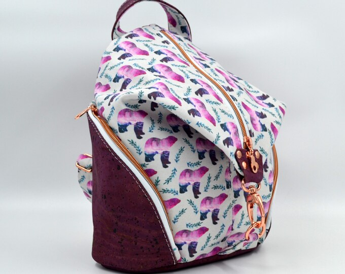 TO DE TO DE Bag in cotton with abstract bear motif and purple cork. Backpack, Cork leather base, Vegan, eco-friendly