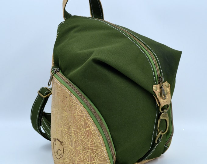 READY TO GO Bag in green montana and natural and golden cork. Backpack, Cork leather base, Vegan, eco-friendly