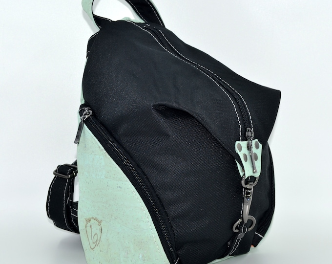 READY TO GO Bag in black montana and mint cork. Backpack, Cork leather base, Vegan, eco-friendly