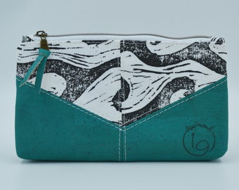 Cosmetic kit, pencil cases, white and black fabric pouch with wave patterns and turquoise cork