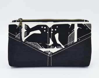 Cosmetic kit, pencil cases, cream fabric pouch patterned with right whales and black cork
