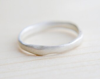 Sterling silver organic ring, Minimalist jewellery, Contemporary jewellery, Simple ring, Silver band, silver ring, Gift for her
