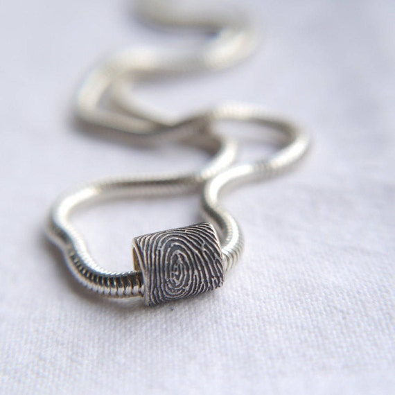 Fingerprint bead/ necklace