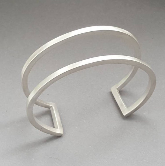 minimalist silver cuff bracelet