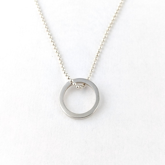 minimalist circle necklace