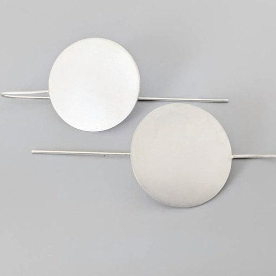 disc threader earrings