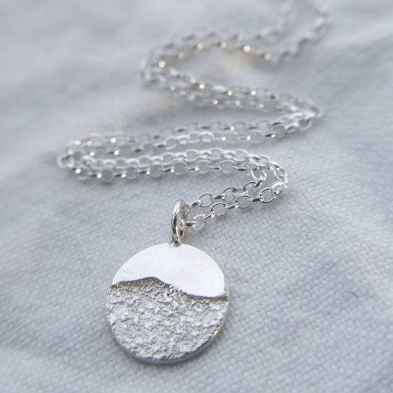 dainty moonrise necklace