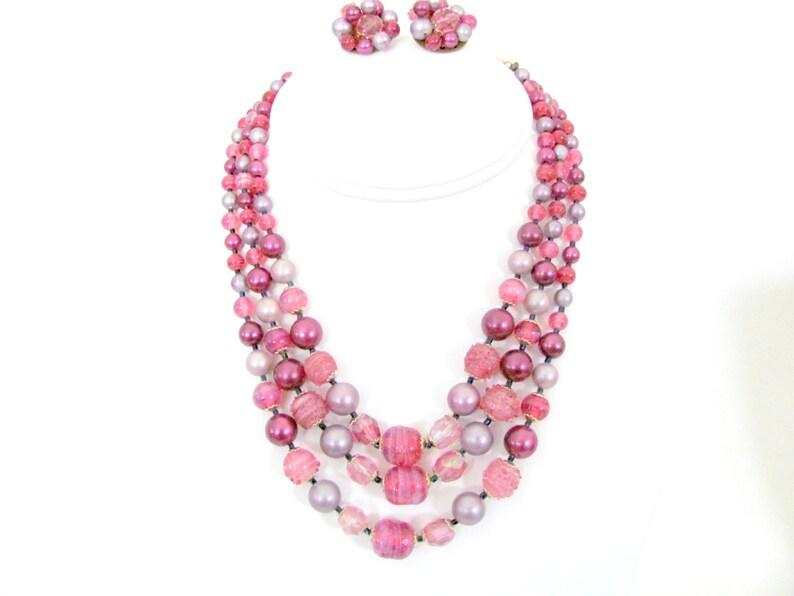 d22e0f32ed0e Rosa de Vintage 1960 lavanda collar y Clip en conjunto