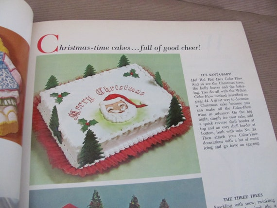 Vintage Cake Decorating Book 1970 S Wilton Cake And Food Decorating Catalog Cake Decorating Tips