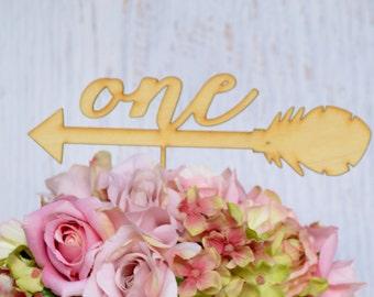 Des signes de table flèche numéros de table de mariage, mariage de numéros de table, décoration de mariage Bohème, centres de mariage tribal, rustiques