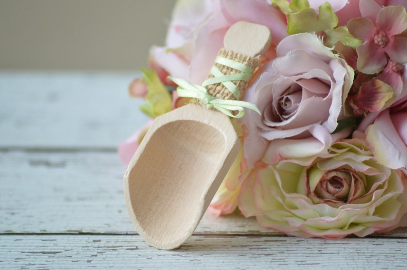 custom colors shabby chic wedding cottage chic wooden candy bar scoops burlap wedding candy scoops