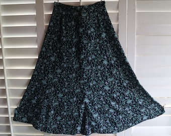 7a0d378ff 1980s Laura Ashley Skirt Size 12 - Floral Laura Ashley Boho Skirt