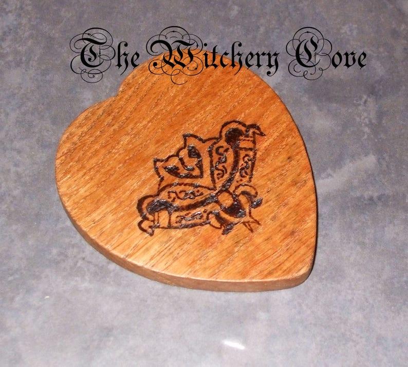 Handcrafted Spirit Board and Planchette - Solid Oak Talking Board - Celtic  Knot Artwork - Wooden Ouija Board Hand Made in Scotland