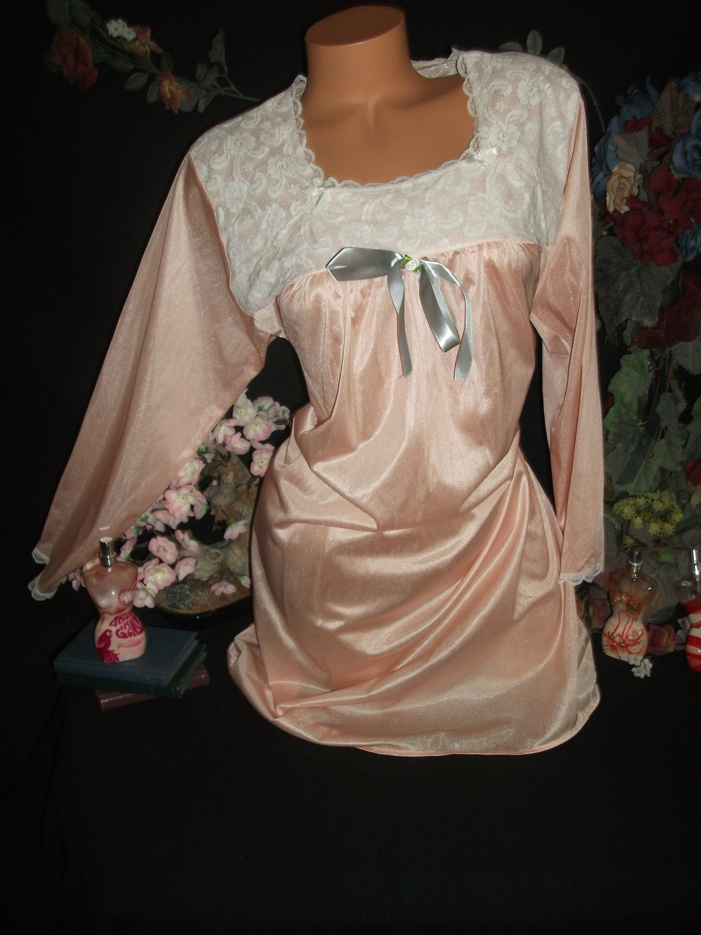 d677e6d59d Vtg Silky Shiny peach Nighty Gown Frosted Nightgown White lace