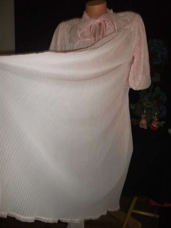 90f81b735b Vtg Silky Pink Nighty Dressing Robe Gown Sheer Nylon Dressing