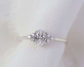 Soleil  - 14K White Gold Oval Cluster Diamond Ring - Handmade Jewellery