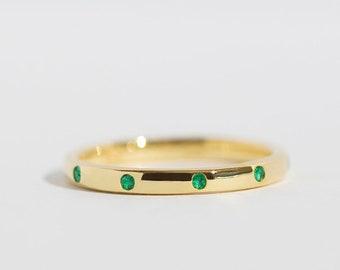Luna - 14K Yellow Gold Emerald Eternity Ring Band - Handmade Jewellery