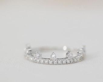 Mallorie Pavé  - 14K White Gold Diamond Half-Eternity Tiara Ring - Handmade Jewellery