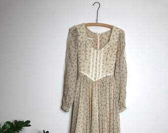 Vintage 1970s Oatmeal Floral Gunne Sax Prairie Dress || size 7 || size small