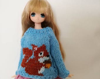 Big squirrel sweater for Blythe, Pure Neemo, Licca, Momoko, Pullip and other similar sized dolls.