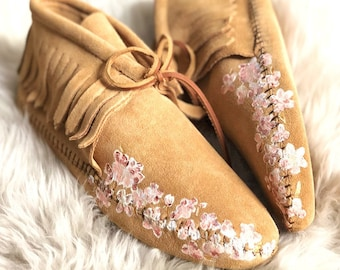 Hand-Painted Bridal Moccasins Hydrangeas Flowers Free Range Mama Weddings