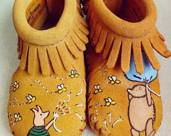 Custom Hand Painted Classic Vintage Winnie the Pooh Piglet Baby Moccasins dc6733867