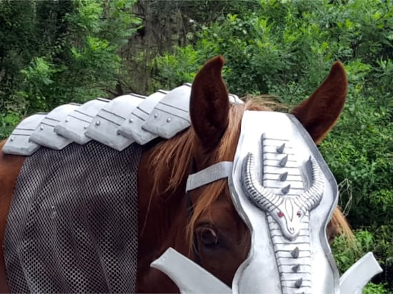 Criniere Medieval Equine Armor Barding Costume Dragon Scales Embossed Crinet Crest of Neck Foam Armor for horses or ponies