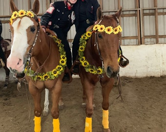 Sunflowers Equine Necklace - Yellow and Brown Horse Breast Collar - Horse Necklace - Fall Horse Costume, Equine Costume