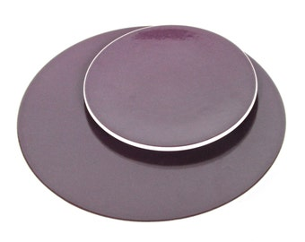Sasaki Colorstone Dinner Plate In Plum, Massimo Vignelli Purple Colorstone Modern Dinner Plate