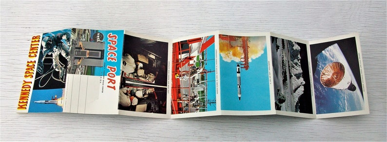 Vintage Kennedy Space Center Space Port Post Card Fold out Booklet