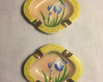 Handpainted iris mini ashtrays marked made in occupied japan  lot of 2